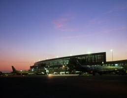 Austin Bergstrom International Airport in Austin, Texas by architect Larry Speck