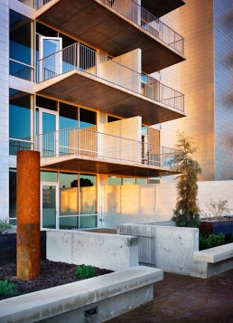 AMLI on 2nd Mixed-Use Development in Austin, Texas by architect Larry Speck
