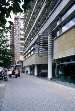 Mercedes-Benz Zentrale in Berlin, Germany by architect Rafael Moneo