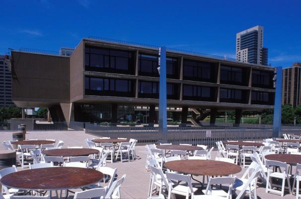 Milwaukee County War Memorial and Art Center_01