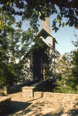 Thorncrown Chapel in Eureka Springs, Arizona by architect Euine Fay Jones