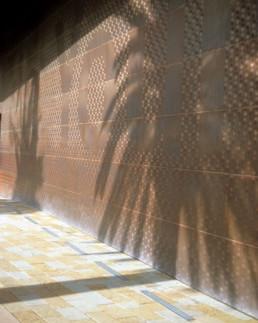 DETAIL EXTERIOR Herzog de Meuron de Young seum San Francisco