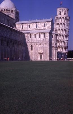 Campanile in Pisa, Italy by architect Giovanni di Simone