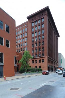 Wainwright Building in St. Louis, Missouri by architect Louis Sullivan