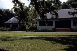 Sullivan Cottage in Ocean Springs, Mississippi by architects Louis Sullivan, Frank Lloyd Wright