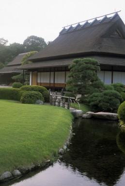 Koraku-en Garden in Okayama, Japan by architect Ikeda Tsunamasa