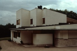 Maison Carré in Bazoches-sur-Guyonne, France by architect Alvar Aalto