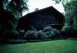 Josephine van Rossum House in Pasadena, California by architects Charles Greene, Henry Greene