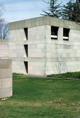 Wesleyan Art Center in Middletown, Connecticut by architect Kevin Roche John Dinkeloo and Associates