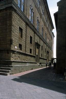 Palazzo Piccolomini by architect Bernardo Rossellino