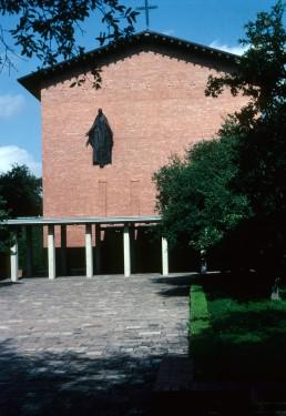 Trinity University, Trinity Chapel in San Antonio, Texas by architect O'Neil Ford
