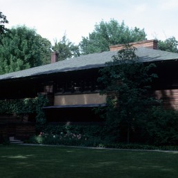 Heurtly House in Oak Park, Illinois by architect Frank Lloyd Wright