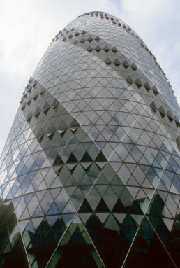 Norman Foster The Gherkin 30 St Mary Axe Swiss Re Tower London