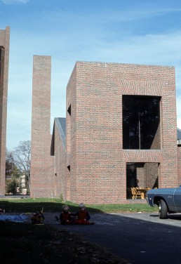 Phillips Exeter Academy, Elm Street Dining Hall in Exeter, New Hampshire by architect Louis Kahn