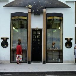 Schullin Jewelry Shop in Vienna, Austria by architect Hans Hollein
