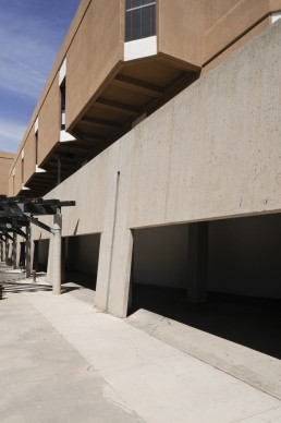 University of New Mexico, George Pearl Hall in Albuquerque, New Mexico by architect Antoine Pre­dock
