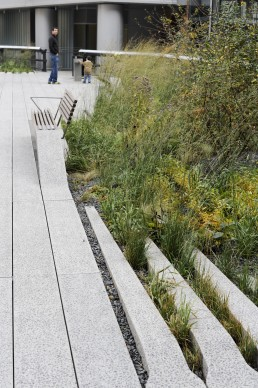 High Line in New York, New York by architects James Corner Field Operations, Diller Scofidio & Renfro