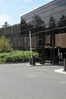 Wellesley College, Davis Parking Garage in Wellesley, Massechussets by architects Mack Scogin, Merrill Elam