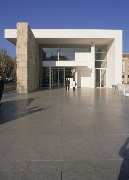 Museum of the Ara Pacis in Rome, Italy by architect Richard Meier