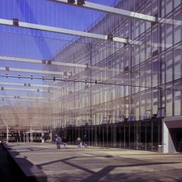 The Kreielsheimer Promenade at Marion Oliver McCaw Hall in Seattle, Washington by architect Gustafson Guthrie Nichol Ltd