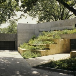 Turtle Creek House in Dallas, Texas by architect Antoine Predock