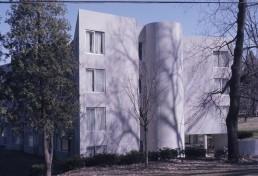 Mission Park Residential Halls in Cambridge, Massachussetts by architect Mitchell-Giurgola Associates