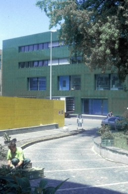EXTERIOR green glass Herzog de Meuron Institute for Hospital Pharmaceuticals-Rossettiareal, Basel, Switzerland